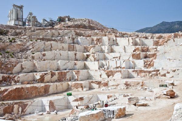 Βιώσιμη και κοινά αποδεκτή λύση για τα λατομεία ζητά ο Αλ. Μεϊκόπουλος