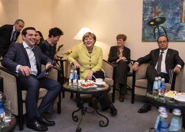Κρίσιμη συνάντηση Τσίπρα με Μέρκελ και Ολάντ στις Βρυξέλλες
