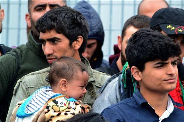 Πάνω από 600 μετανάστες και σήμερα στα ελληνικά νησιά