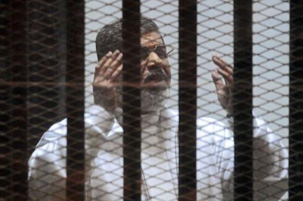 Αίγυπτος: Σε ισόβια για κατασκοπεία καταδικάστηκε ο Μόρσι