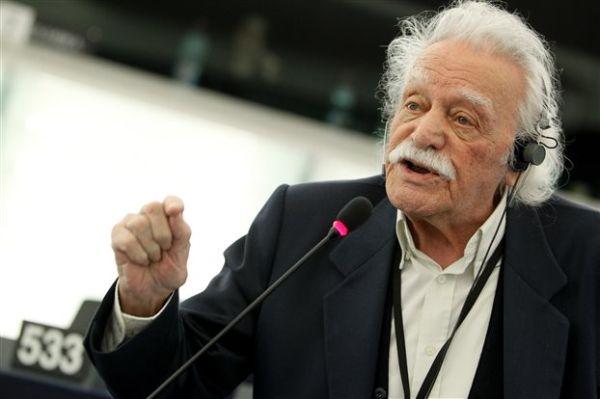 Παραιτήθηκε ο Μανώλης Γλέζος από την ευρωβουλή