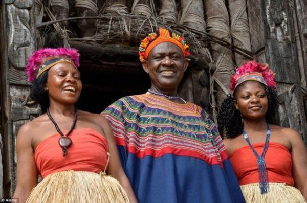Καμερούν: Ο βασιλιάς με τις 100 γυναίκες