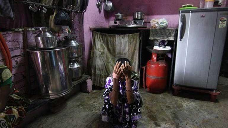 Ινδία: Τουλάχιστον 94 νεκροί από κατανάλωση νοθευμένου αλκοόλ