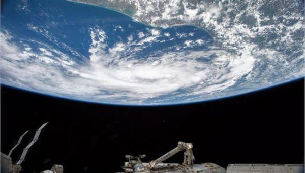 Ρώσος κοσμοναύτης έσπασε το παγκόσμιο ρεκόρ συνολικής παραμονής στο διάστημα