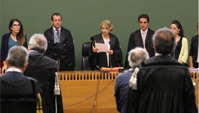 Καταδικάστηκε ο Μπερλουσκόνι για τη δωροδοκία γερουσιαστή αλλά δεν θα εκτίσει την ποινή