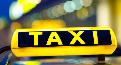 Αυξήσεις στα κόμιστρα των ταξί λόγω αύξησης ΦΠΑ