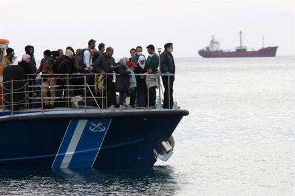 Στη Σητεία έφτασαν οι 190 μετανάστες που εντοπίστηκαν ανοικτά της Καρπάθου