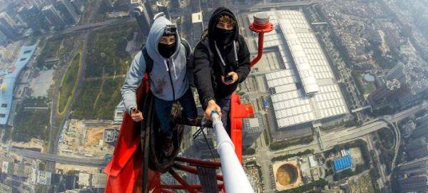 Η ζωή δυο 20χρονων πάνω στα ψηλότερα κτίρια του κόσμου (εικόνες)