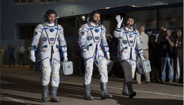 Εφτασαν οι τρεις αστροναύτες στον Διεθνή Διαστημικό Σταθμό