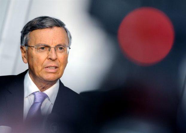«Αντάρτης» της Μέρκελ παραιτείται από επιτροπή λόγω Ελλάδας
