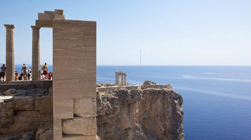 Γάλλοι τουρίστες: «Μας ανήκουν όλα στην Ελλάδα»