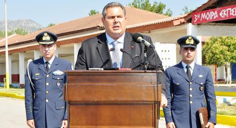 Καμμένος: Δεν θα δεχτώ μείωση αποδοχών στα στελέχη των Ενόπλων Δυνάμεων