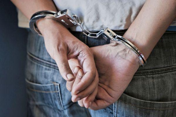 Σύλληψη για παράνομη οπλοκατοχή