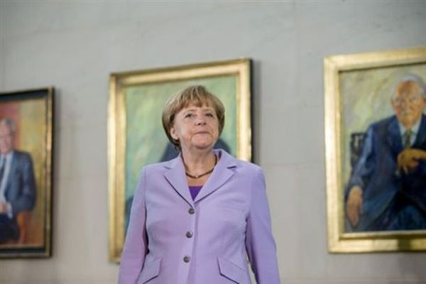 Spiegel: Tέταρτη θητεία στην καγκελαρία θα διεκδικήσει η Μέρκελ