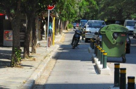 Συνεχίζεται το ξήλωμα των ποδηλατοδρόμων