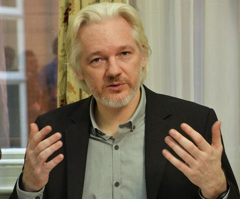 «Πονοκέφαλος» για τις σουηδικές αρχές το άσυλο που αιτείται ο Ασάνζ των wikileaks
