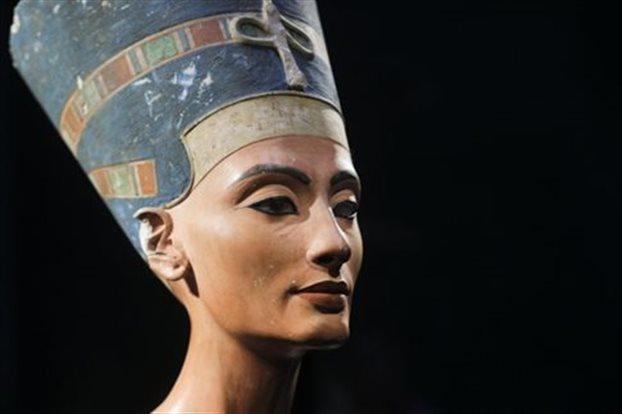 Αίγυπτος: Αρχαιολόγος υποστηρίζει πως βρήκε τον τάφο της Νεφερτίτης