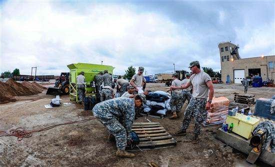 ΗΠΑ: Τοξικά απόβλητα «κιτρίνισαν» ποταμό στο Κολοράντο