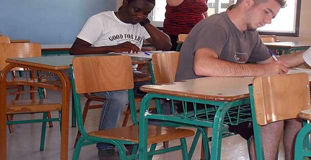 Ζυλιέν: Ο πρόσφυγας από την Αφρική που μπήκε πρώτος στα ΤΕΙ