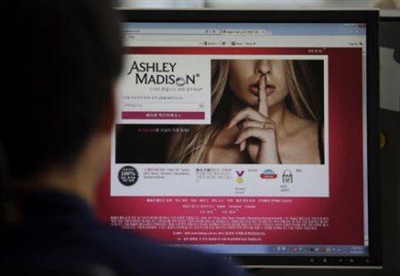 Παραιτήθηκε ο διευθυντής του αμαρτωλού Ashley Madison