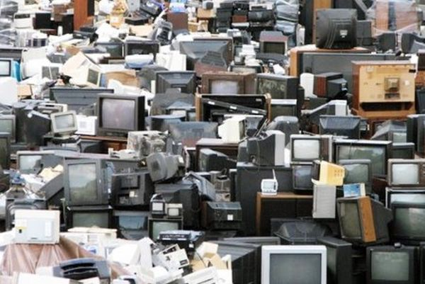 Ανακύκλωση ηλεκτρονικών αποβλήτων: ένα έγκλημα στη διπλανή μας πόρτα