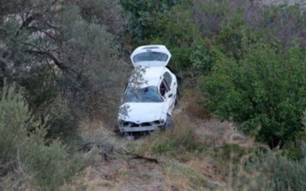 Σώος ο οδηγός που έπεσε με το αυτοκίνητό του σε γκρεμό