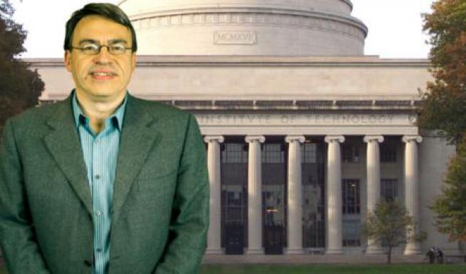 Ο Έλληνας που διδάσκει στο ΜΙΤ από 26 ετών