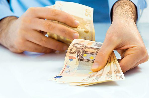 Καθυστερεί η πληρωμή συμβασιούχων από την κοινωφελή