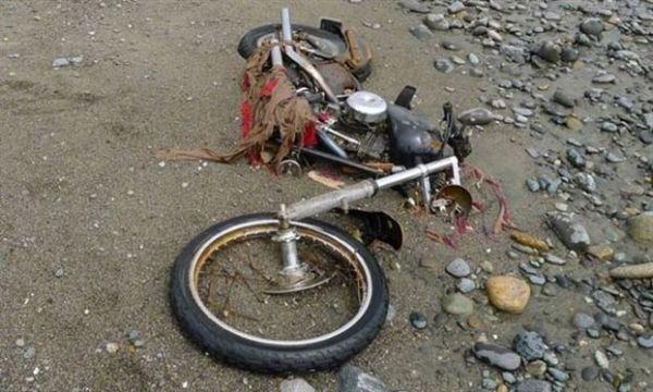 Τσουνάμι παρέσυρε μοτοσικλέτα από την Ιαπωνία στον Καναδά