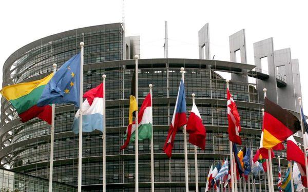 Την Πέμπτη στο Ευρωκοινοβούλιο η πρόταση για μετεγκατάσταση 120.000 προσφύγων