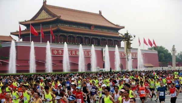Πεκίνο: η ατμοσφαιρική ρύπανση ξεπάστρεψε 6 δρομείς στον Μαραθώνιο