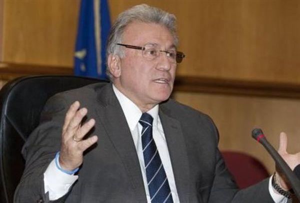 Εκτός κούρσας για την προεδρία της ΝΔ ο Π.Ψωμιάδης, αφήνοντας αιχμές