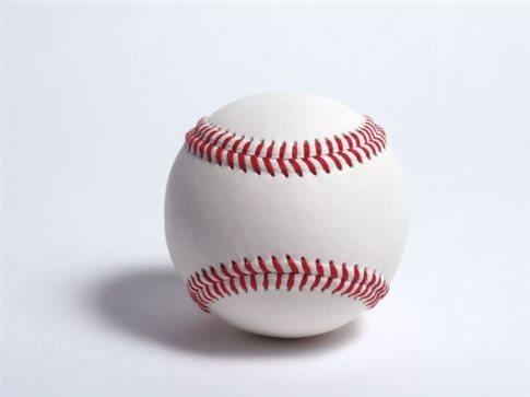 Μόσχα: Πέρυσι πουλήθηκαν 400.000 ρόπαλα του μπέιζμπολ, αλλά ένα μπαλάκι