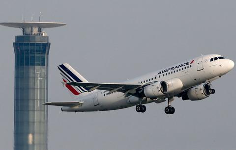 Σημαντικές περικοπές θέσεων ανακοινώνει η Air France