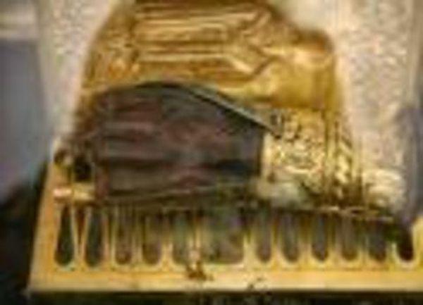 Συνελήφθησαν οι κλέφτες τμήματος ιερού λειψάνου του Αγίου Χαραλάμπους