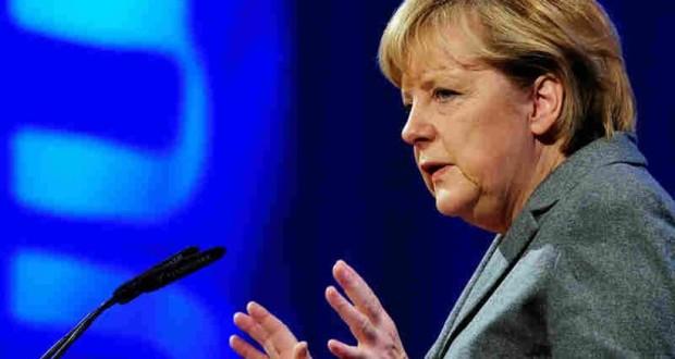 Μήνυση κατά της Μέρκελ για «εμπορία ανθρώπων» κατέθεσε το ακροδεξιό AfD