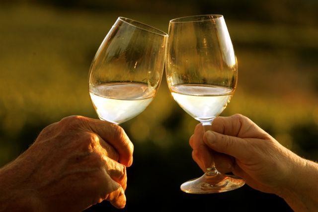 «Κόψτε το ποτό μετά τα 45, ειδάλλως κινδυνεύετε από άνοια»