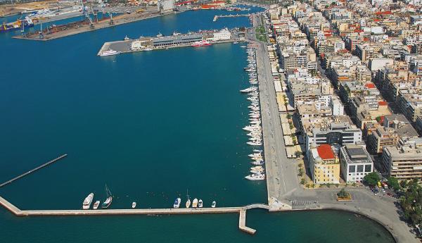 «Τιτανικός» στο λιμάνι του Βόλου...