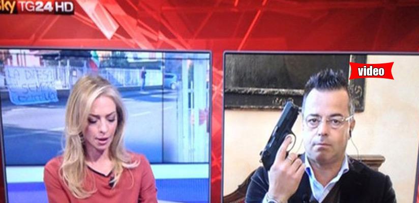 Βγήκαν τα πιστόλια στην ιταλική τηλεόραση