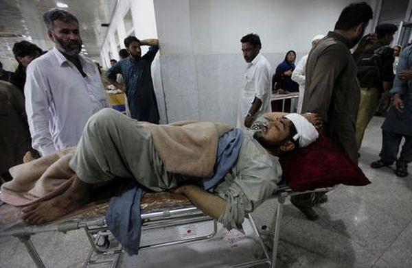 Στους 215 οι νεκροί από τον ισχυρό σεισμό σε Πακιστάν - Αφγανιστάν