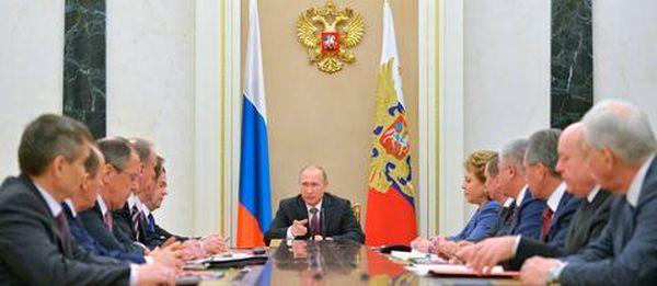 Ο Πούτιν βάζει τους πάντες στο τραπέζι για τη Συρία