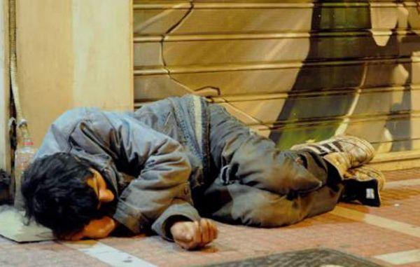 Ερώτηση για εξεύρεση στέγης για τους αστέγους