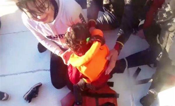 Βίντεο σοκ από τη διάσωση προσφύγων – Δεκάδες οι άταφοι