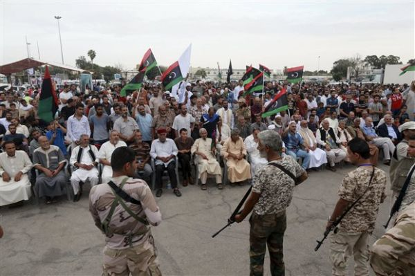 Η Λιβύη απειλεί ότι θα στείλει στην Ευρώπη καράβια με μετανάστες