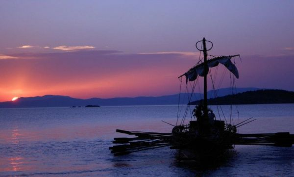 Λιμάνι των μύθων μέσα στο λιμάνι του Βόλου