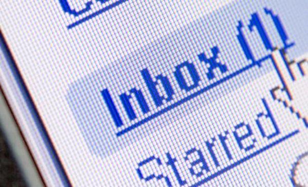 Η Google θα γράφει τα email σας