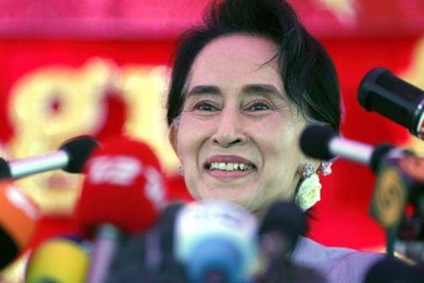 «Θα είμαι πάνω από τον πρόεδρο» λέει η Σούου Κίι πριν τις εκλογές στη Μιανμάρ