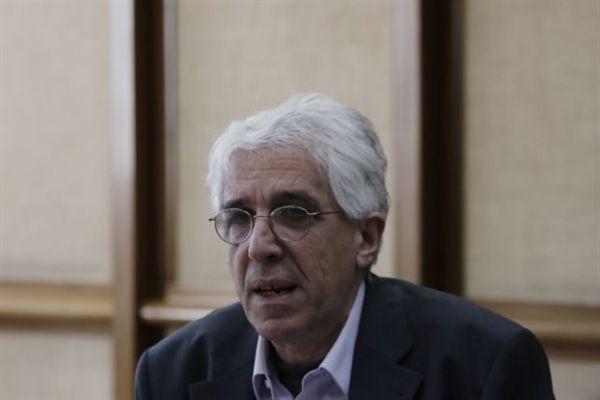 Παρασκευόπουλος: «Καμία συζήτηση με άλλους παράγοντες για νομοθετήματα»