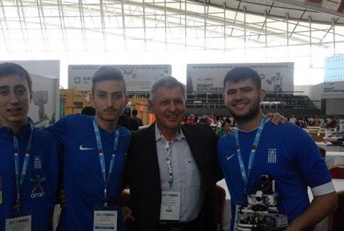 Πρώτο Ολυμπιακό μετάλλιο της Ελλάδας στην Ρομποτική από τους RoboSpecialists