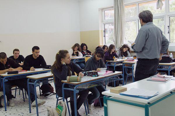 Χάνονται δεκάδες ώρες μαθημάτων σε Σκιάθο και Σκόπελο